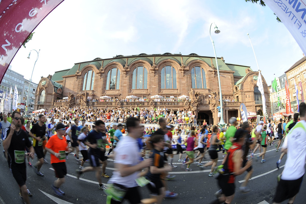 MLP Marathon 2013 in Mannheim/Ludwigshafen.  Foto © Rhein-Neckar-Picture *** Foto ist honorarpflichtig! *** Auf Anfrage in hoeherer Qualitaet/Aufloesung. Belegexemplar erbeten. Veroeffentlichung ausschliesslich fŸr journalistisch-publizistische Zwecke.